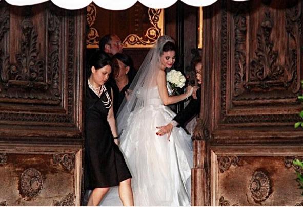 A emoção da entrada da noiva - acho essa foto linda