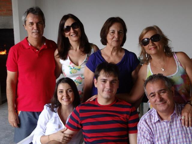 Meus sogros, Vovó Lelinha (avó do Luiz), meus pais e nós dois