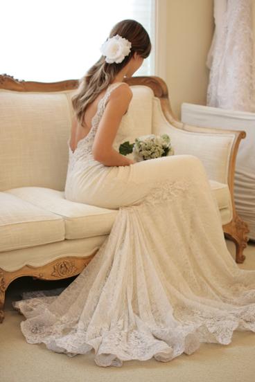 Uma das minhas primeiras inspirações quando me casei era as costas desse vestido, com o qual me deparei novamente agora, depois de mais de um ano, no site da Wanda Borges.