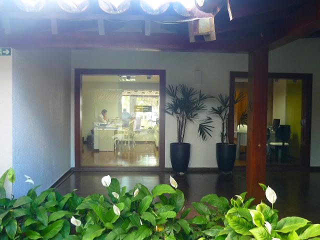 A varanda é o primeiro ambiente realmente na área externa do salão