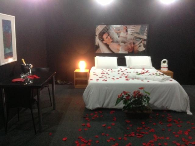 O valor da suite nupcial (pacote) segundo a responsável que estava no local é de R$330,00