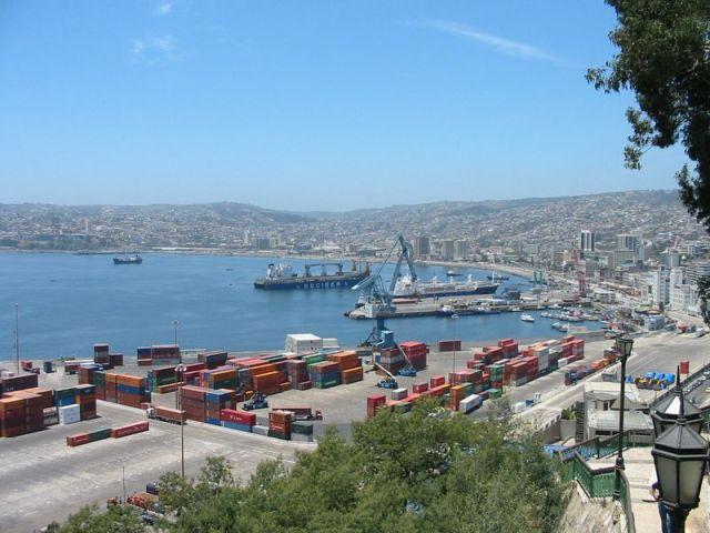 Porto_de_Valparaiso_-_Chile_-_by_Sérgio_Schmiegelow