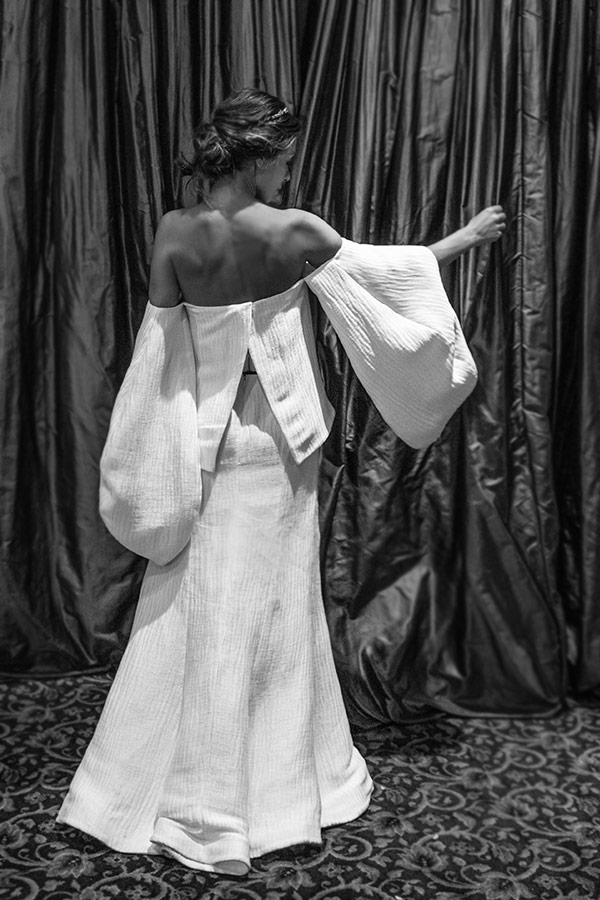 Fonte: Constance Zahn/  Vestido de noiva: Rosie Assoulin