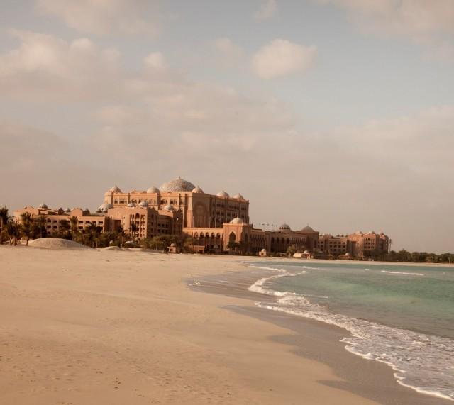 SetWidth2000-Emirates-Palace-Beach