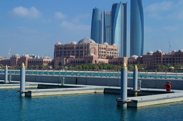 SetWidth2000-Emirates-Palace-Marina