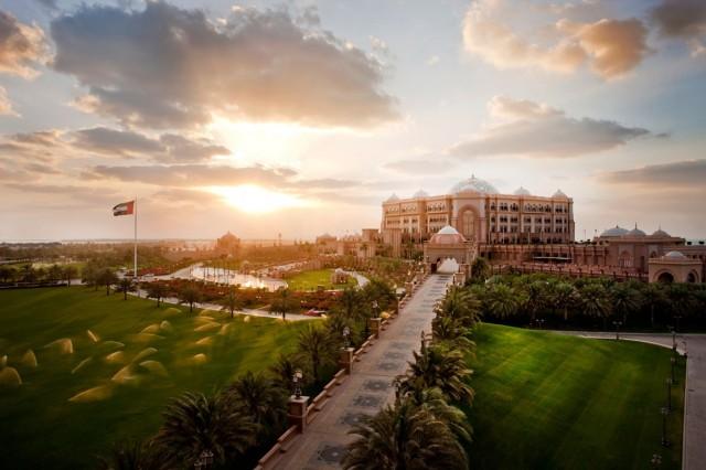 SetWidth2000-Emirates-Palace-Marina2