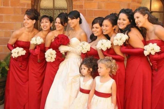 Vestidos-iguais-damas-de-honra-adultas