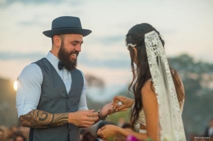 troca-de-aliancas-Casamento-Mateus-e-Marcella-Foto-Michel-Castro